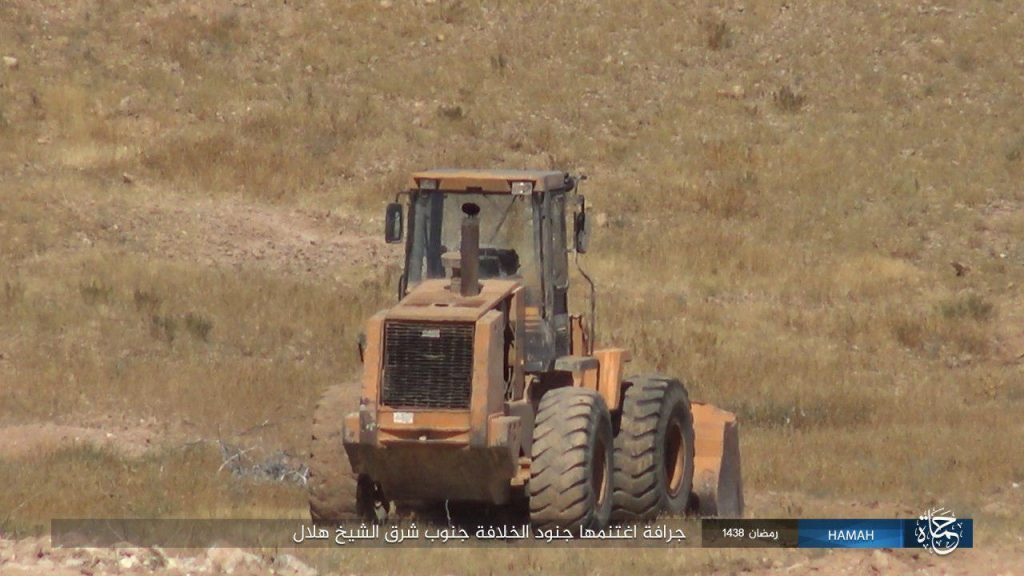 Syrian Army Clashing With ISIS Southeast of Palmyra, East Of Hama And In Damascus Desert (Videos, Photos)
