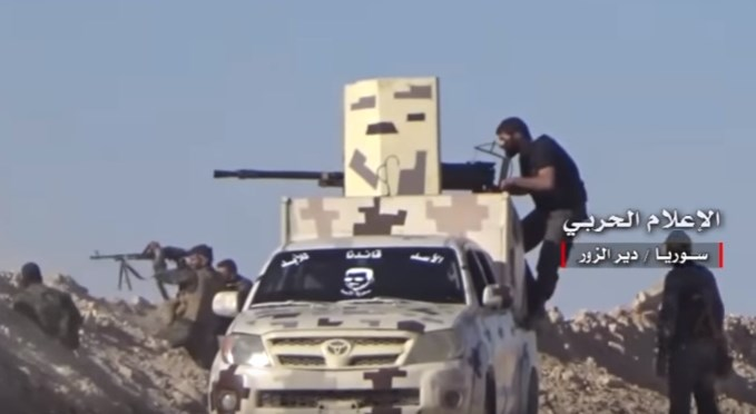 Video: Syrian Army Troops Repelling ISIS Attacks In Deir Ezzor