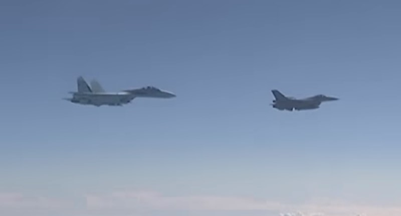 Video: Su-27 Chases NATO F-16 Away From Russian Defense Minister's Plane