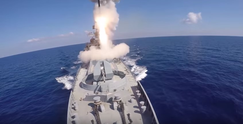 Russian Submarine And Warships Launches Cruise Missiles At ISIS Terrorists In Syria (Video)