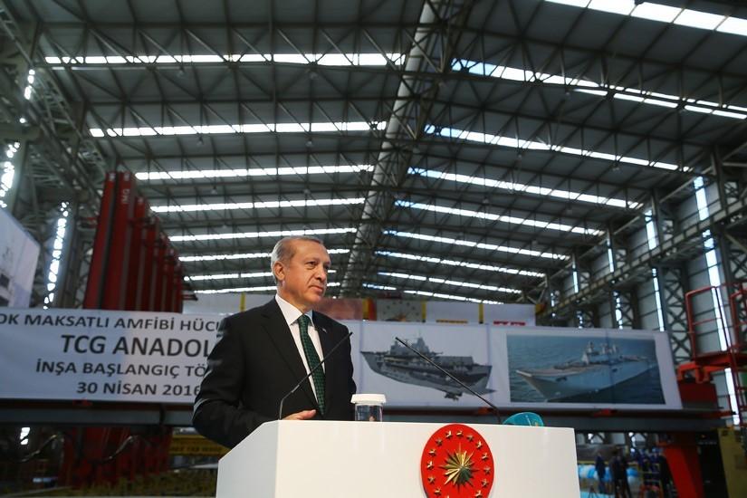 Turkish Navy Amphibious Fleet Modernization: TCG Bayraktar L-402 Enters Service