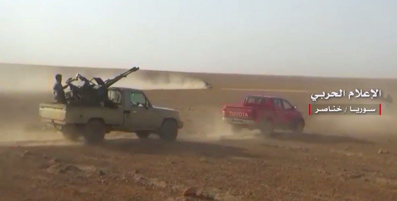 Videos: Syrian Army Clearing Ithriyah-Resafa Road And Area East Of Khanasir From ISIS