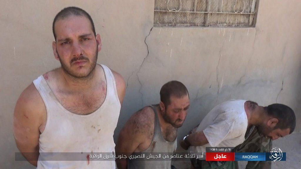 ISIS Captures 3 Syrian Soldiers In Southern Raqqa Countryside (Photos)