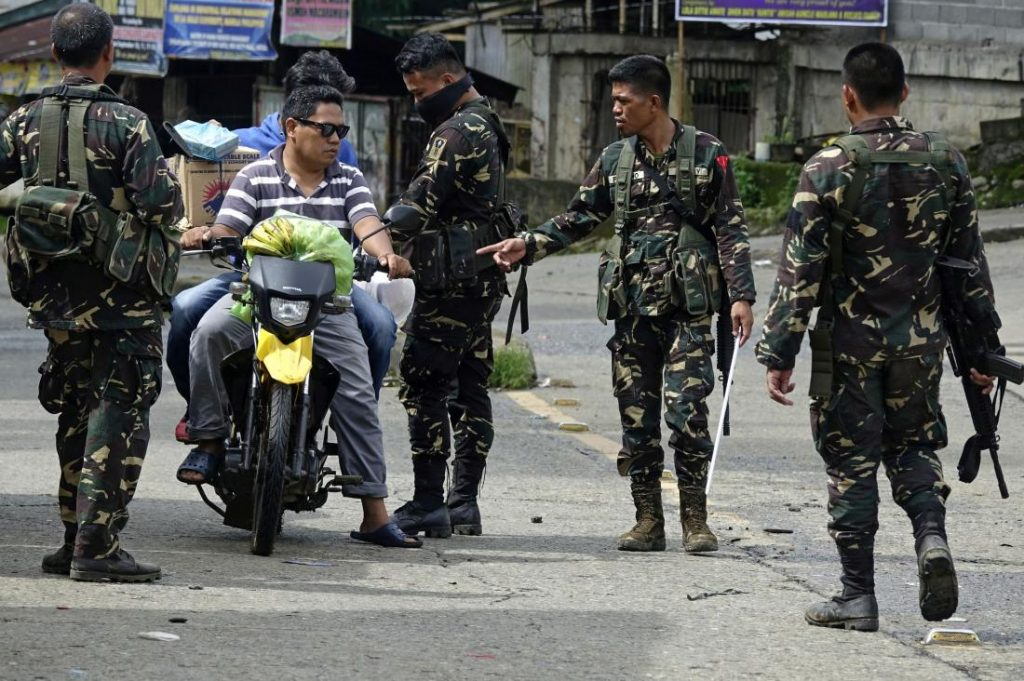 Philippine Army Captures Marawi Police Station