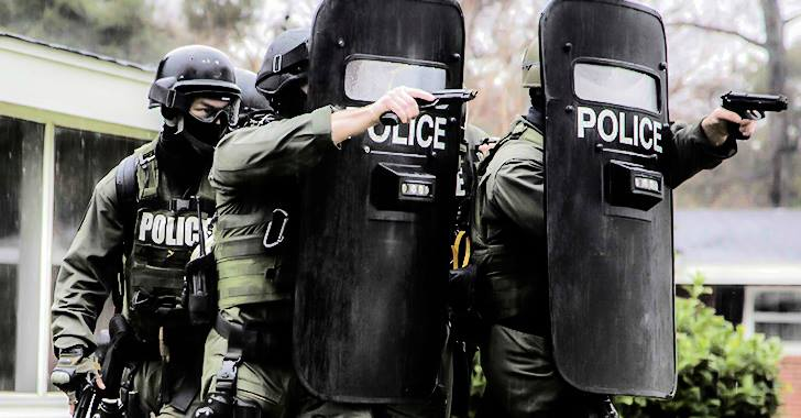 Trump Allows Military to Give Cops Grenade Launchers and Tanks Again