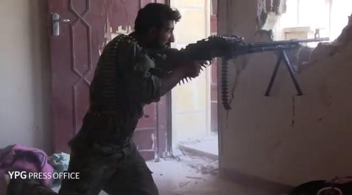 SDF Captures More Areas In Center Of Raqqa (Videos)