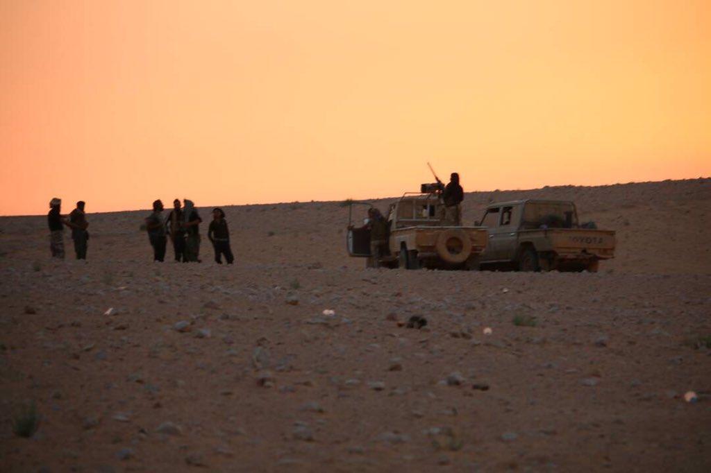 政府軍が正常シリア・ヨルダンの国境で進みます。 米国が支援する過激派組織の中でリフト