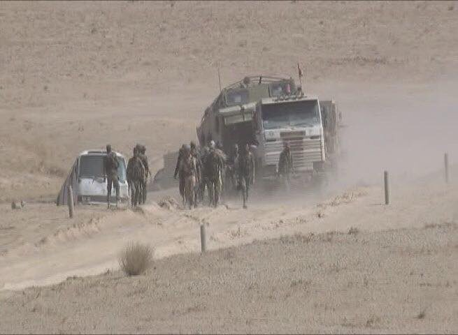 First Humanitarian Aid Column Reaches Deir Ezzor City As Government Troops Further Pushes Against ISIS