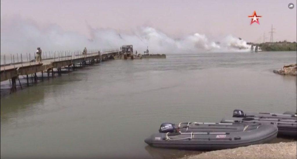 Russian Troops Established Temporary Bridge Trought Euphrates Near Deir Ezzor (Video, Photos)