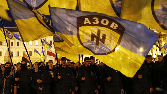 The Crooks, the Clowns and the Nazis – a dynamic analysis