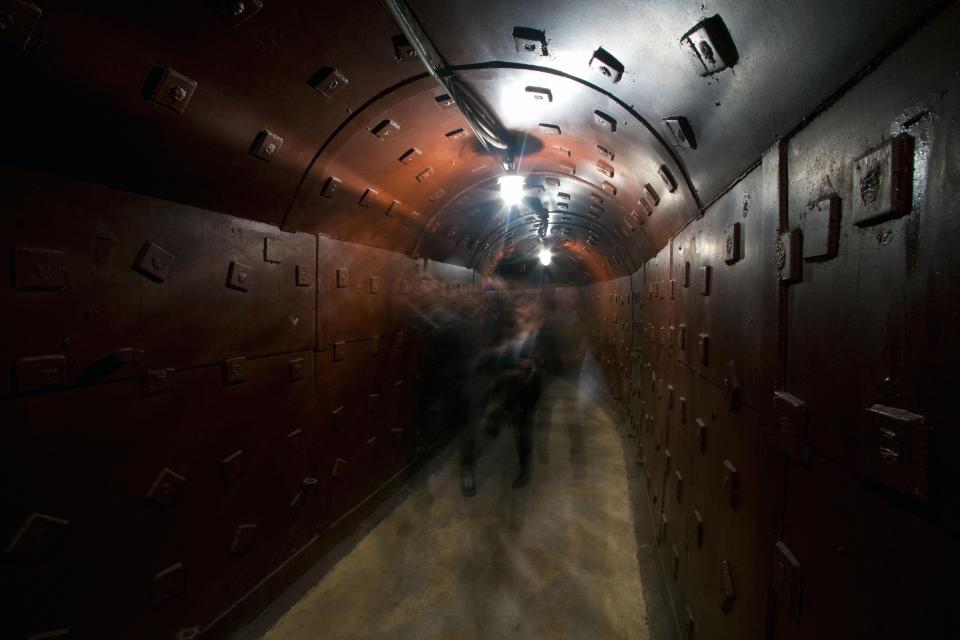 Military Hysteria: Sweden To Build Additional 50,000 Nuclear Shelters