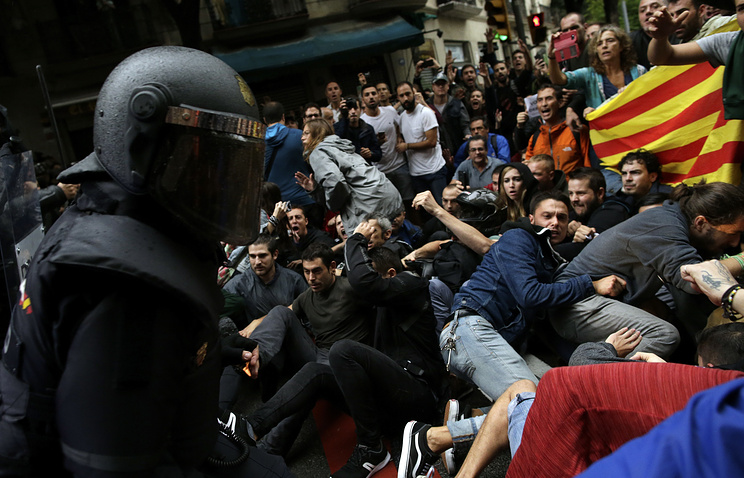 Over 460 People Injured In Police Crackdown On Independence Referendum In Catalonia