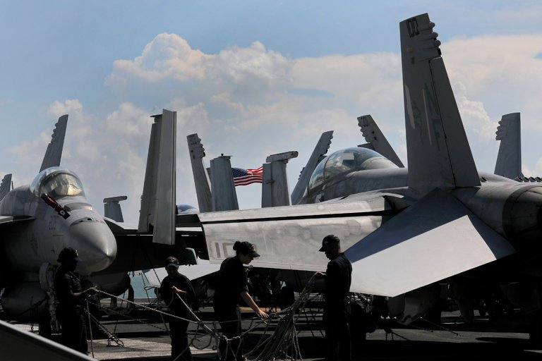 US and South Korea Conduct Large Military Drills In Waters Near Korean Peninsula