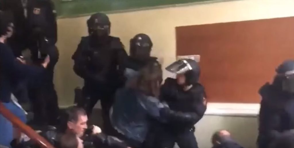 """Face Of European """"Democracy"""": Spainish Police Brutally Opressing Supporters Of Catlan Independence (Videos)"""
