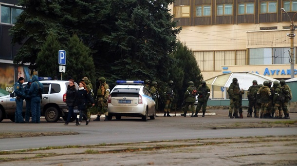 Internal Tensions Grow In Self-Proclaimed Republics In Eastern Ukraine. 'Unidentified' Troops Deployed In Lugansk (Video, Photos)