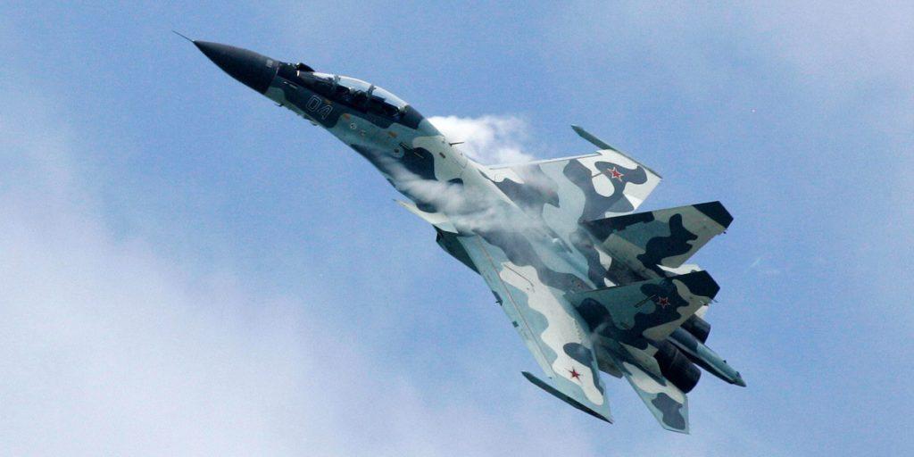 Su-30 Fighter Jet Intercepted US Spy Plane Near Russian Border