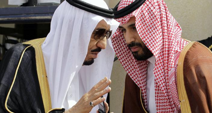 Il re saudita si dimette e consegna la corona al figlio pianificando la guerra con Hezbollah - The Daily Mail