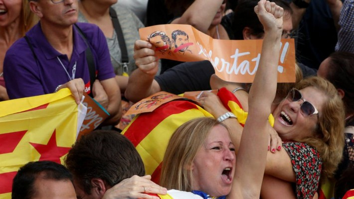 """Spanish Government Blames 'Russian Hackers' For Fueling Catalan Crisis, Says """"Democracy"""" Has Problems With """"new technologies"""""""