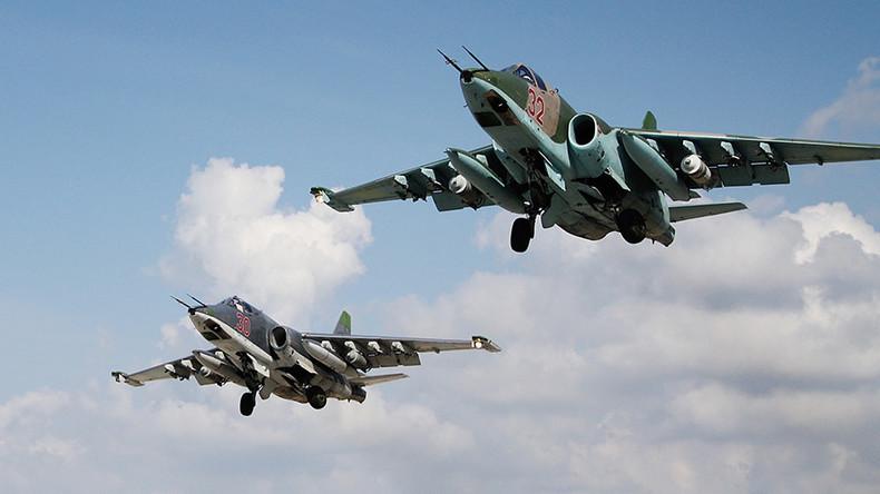 Russian Warplanes, Syrian Artillery Pound ISIS Posts In Western Deir Ezzor & Eastern Hama