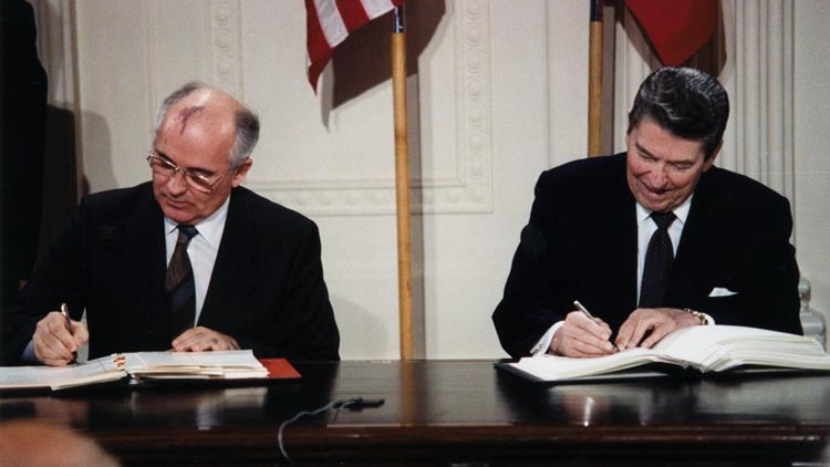 US 'Sanctions Ahead of Talks' Diplomacy: Cunning Plan to Kill INF Treaty