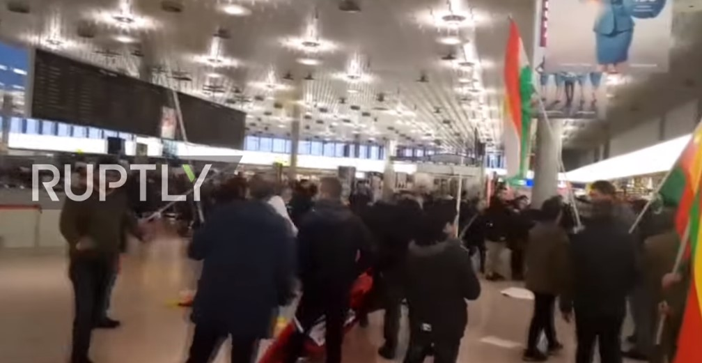 Turkish And Kurdish Protestors Clash At Hannover Airport Over Turkey's Operation In Afrin (Video)
