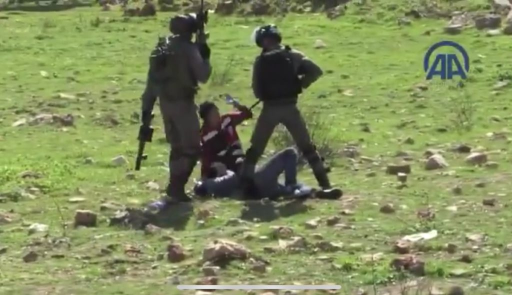 Video: Israel Troops Point Guns At, Beat Medics Helping Injured Palestinian Protesters