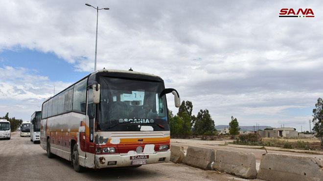 武装勢力の別のバッチは北部のHomsを去る。 シリア陸軍武器が武器を密輸しようとしている(写真)
