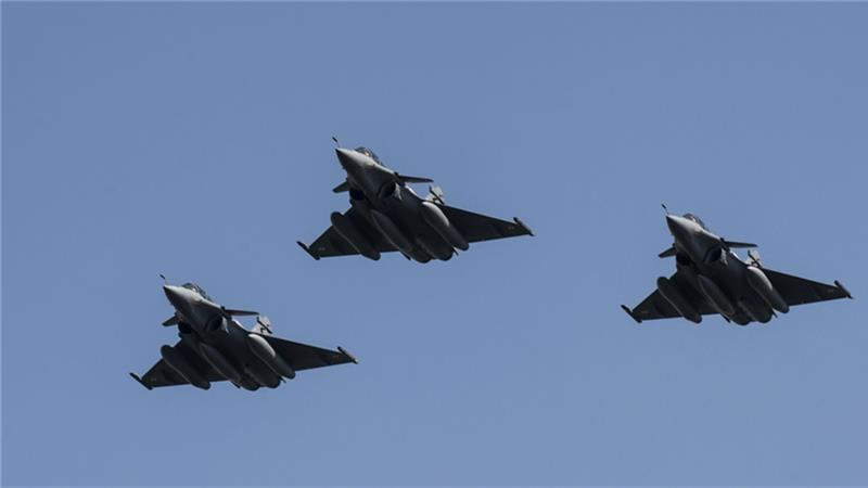 French Defense Minister Threatens Syria With More Strikes If Damascus 'Uses' Chemical Weapons