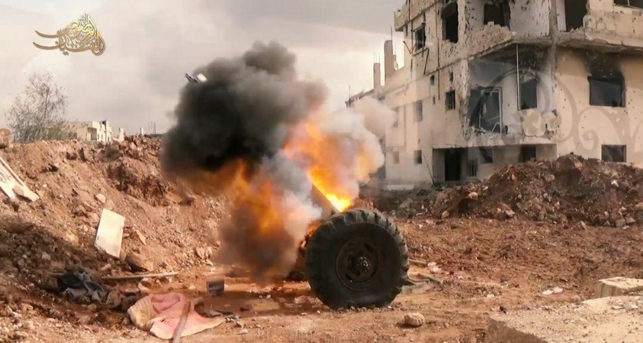 Free Syrian Army Shells Large Syrian Army Convoy In Daraa