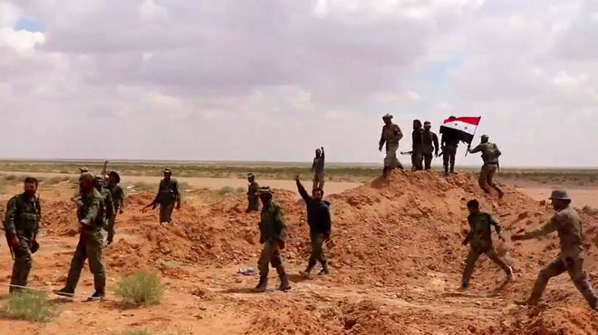 ISIS Fighters Cross Euphrates River, Attack Syrian Army In Southern Deir Ezzor