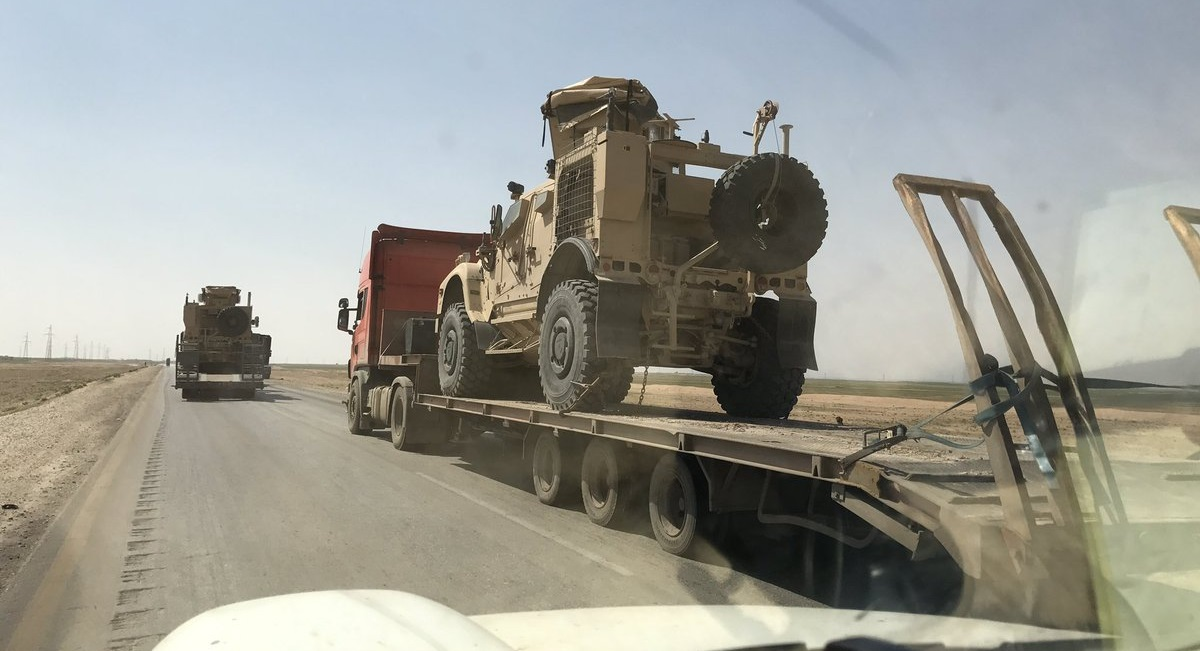 Large US Convoy Loaded With Armored Vehicles Enters Northeastern Syria (Video, Photos)