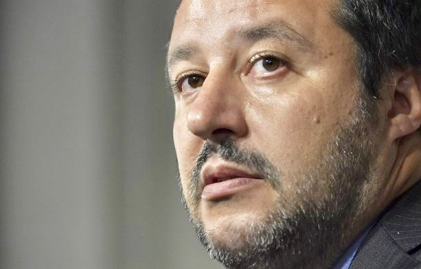 Italy's Interior Minister Slams Ukraine's Euromaindan Describing It As 'Fake Revolution'