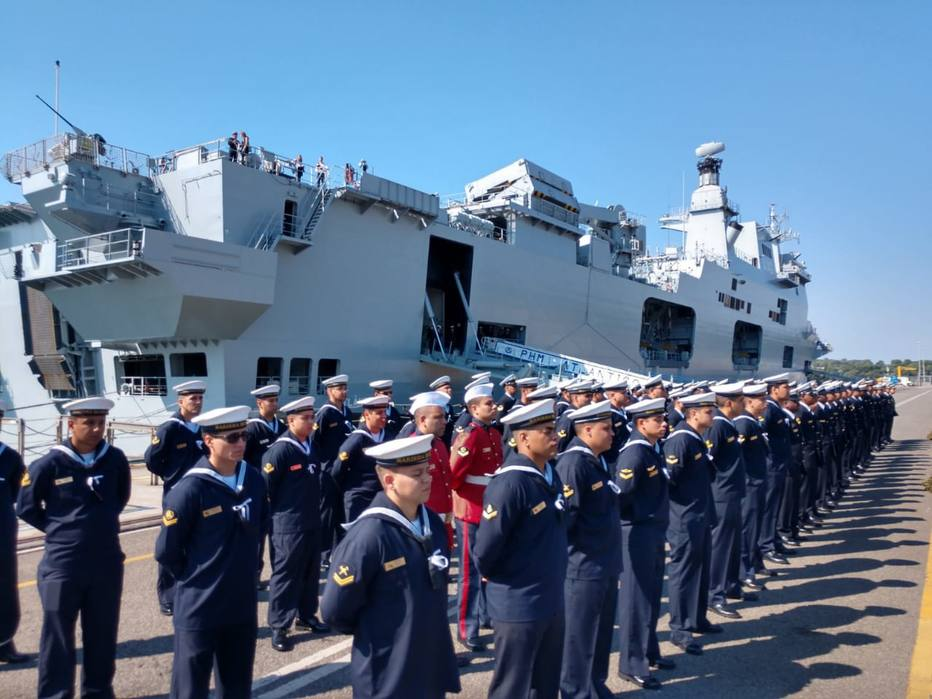 Brazilian Navy Received Multi-Purpose Helicopter Carrier From U.K.