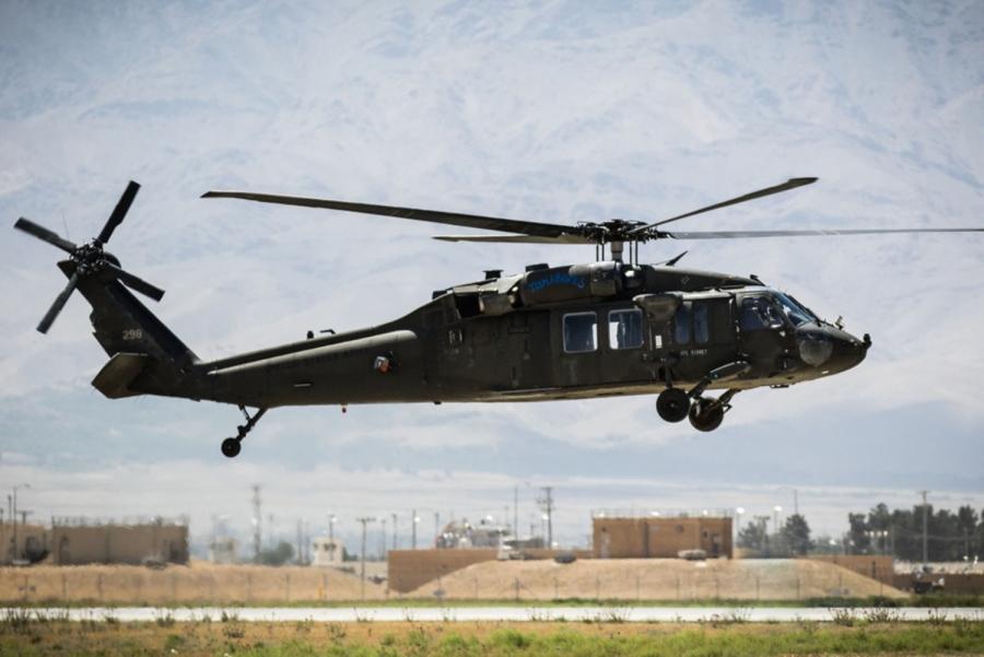 米国は、ISISのアフガニスタン支援を支援する「未確認の」ヘリコプターで、ISISメンバーのシリア移転を懸念している