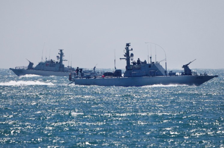Israel Threatens Iran With Military Action If It Closes Red Sea Strait