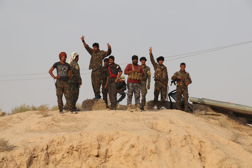 SDF Fighters Clash With ISIS Around Al-Baghuz Al-Fawqani In Euphrates Valley (Video)