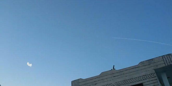 Syrian Air Defense Forces Intercept Five Israeli Missiles Over Hama, Tartus Provinces