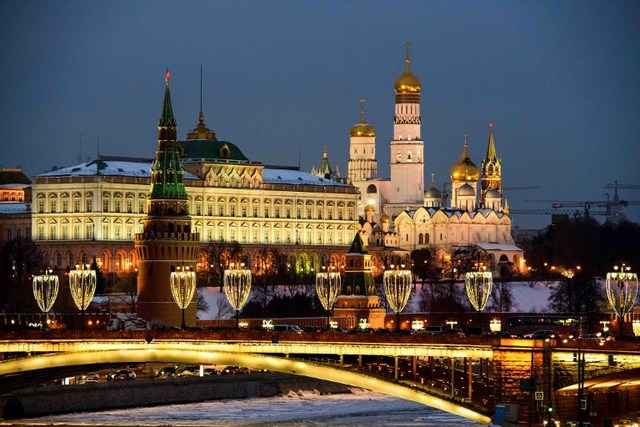 Russia Is Rapidly Reducing Its Foreign Debt