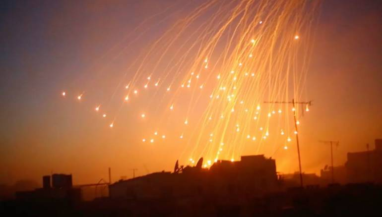 US-led Coalition Uses Phosphorous Bombs In Deir Ezzor Once Again