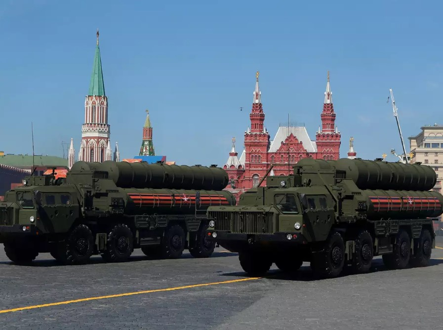 India, Russia Signed $5.4 Billion Deal On S-400 Air Defense Systems Delivery