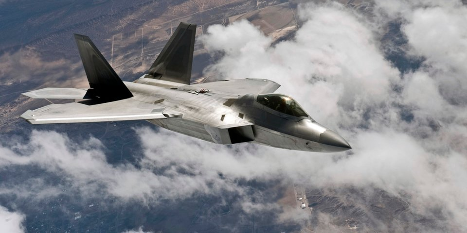 MSM Claims U.S. F-22 Fighter Jets Intercepted Unexisting Iranian Warplanes In Syrian Airspace