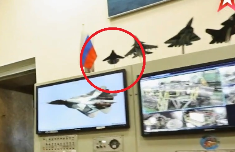 """Russian Defense Ministry TV Channel """"Accidentally"""" Exposed Model Of Secret Hypersonic 6th Generation Jet"""