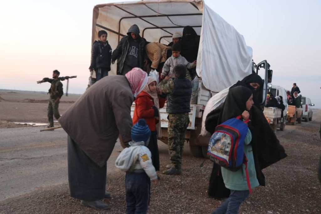 US-Backed Forces Evacuate More Civilians From ISIS Pocket In Euphrates Valley (Photos)