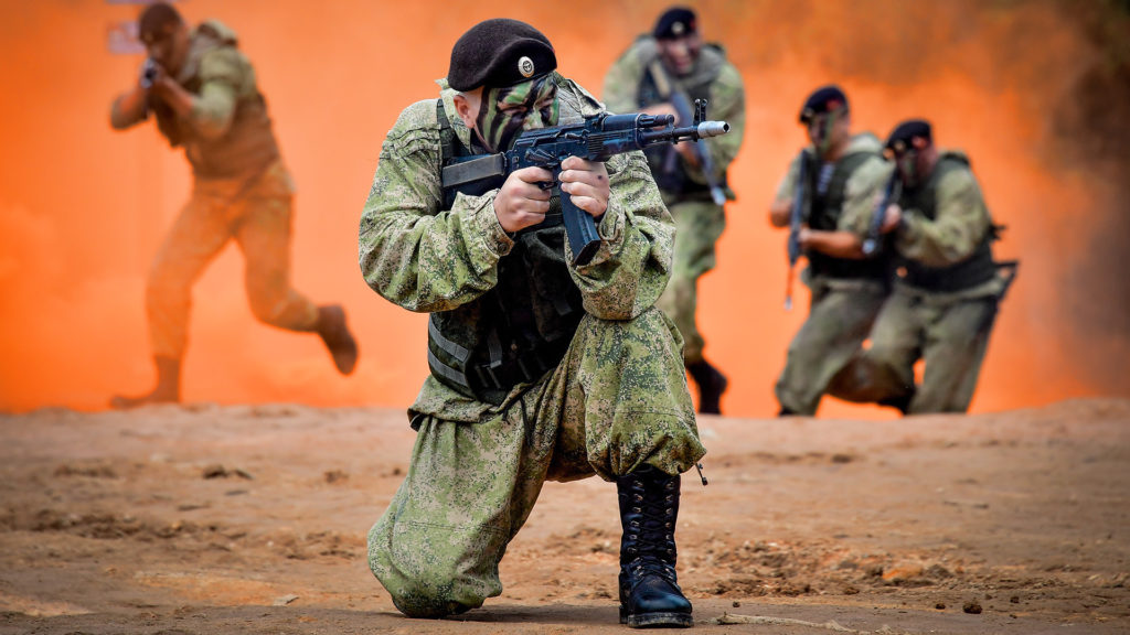 Poroshenko Finds Out 80,000 Russian Troops Stationed For Invasion In Ukraine