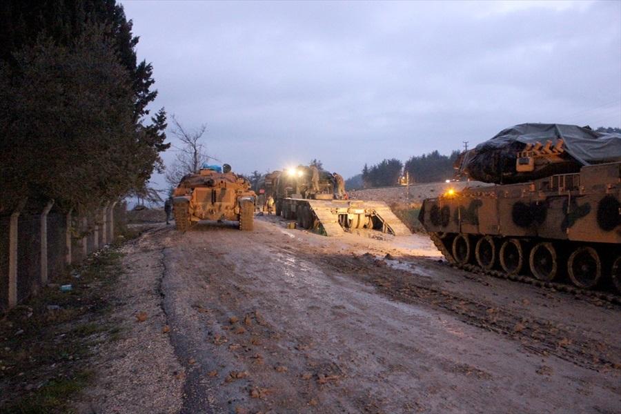 Turkey Deploys Modernized Tanks Along Border With Syria (Photos)