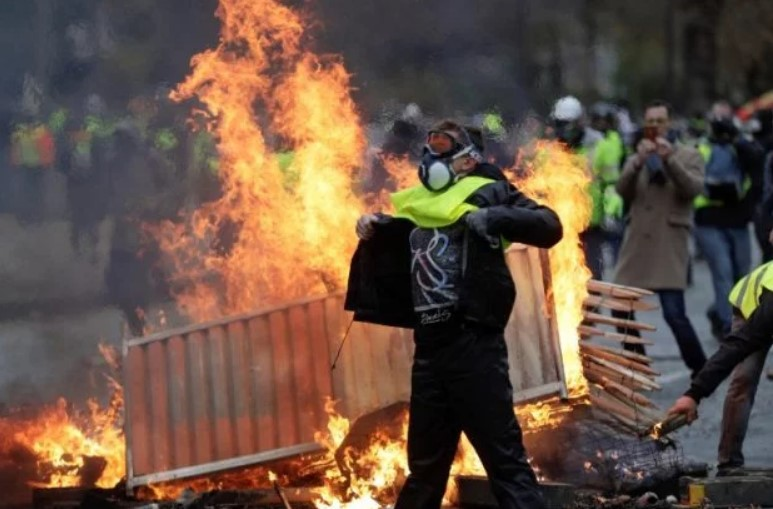Riots In France: Overview