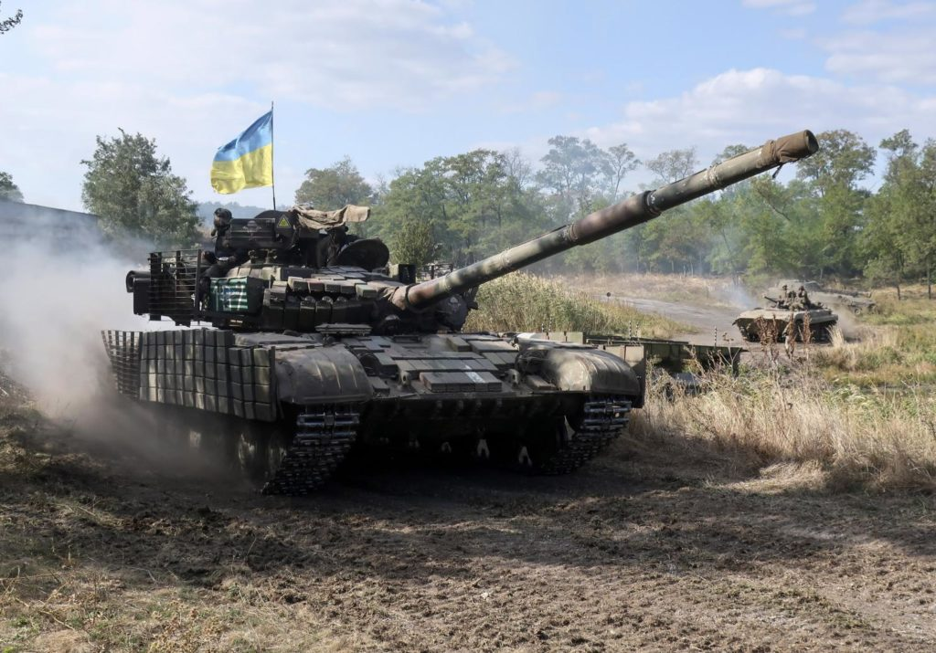 Ukraine Reinforces Its Battle Tank Force Near Contact Line In Region Of Donbass