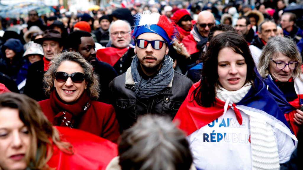 France's Red Scarves: Ready-Made Counter-Protest and New Media Darlings