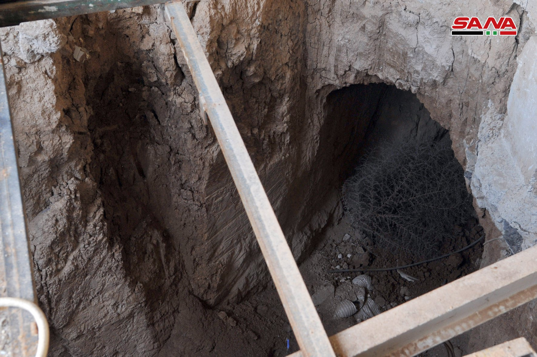 Syrian Army Uncovers Deep Tunnel Dug By Militants Southwest Of Damascus