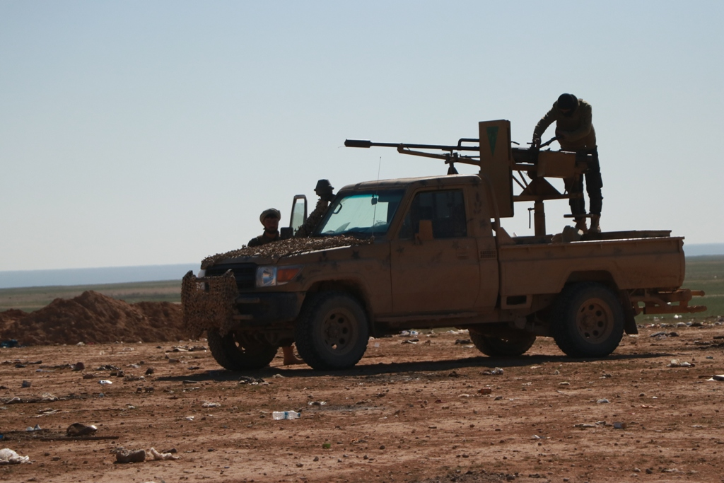 US-led Coalition Is Still Negotiating With ISIS In Euphrates Valley – Report